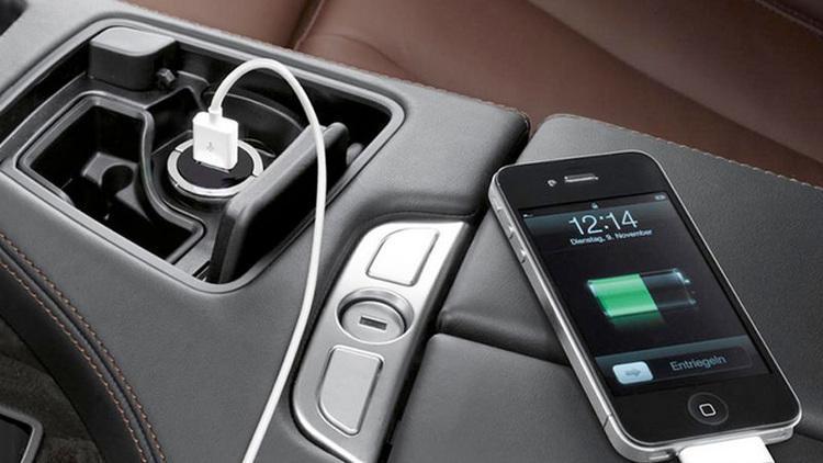 اصلا موبایل خود را در ماشین شارژ نکنید