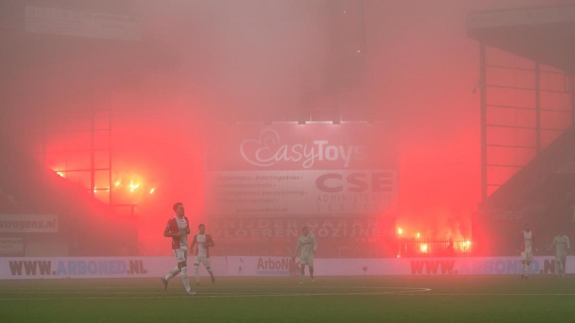 اتفاق عجیب در لیگ هلند؛ کرونا فراموش شد