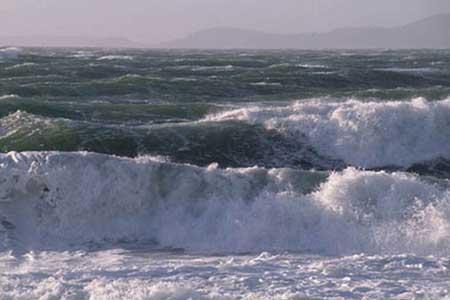 مواج شدن دریای خزر و خلیج فارس