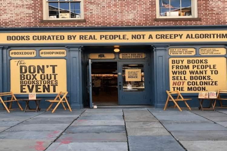 درخواست یاری توئیتری کتابفروشی محبوب نیویویورک