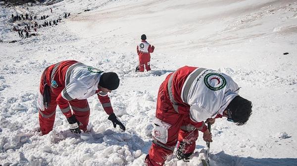 آخرین اخبار از سقوط 3 بهمن در ارتفاعات تهران؛ 8 کشته، مصدوم و مفقودی ، مدیر پیست توچال: 10 کوهنورد را از مرگ قطعی نجات دادیم