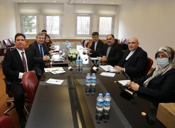 خبرنگاران دیدارهای معاون مطبوعاتی ارشاد در ترکیه برای تقویت همکاریهای رسانه ای