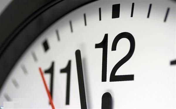 ساعت رسمی بامداد 2فروردین یک ساعت به جلو کشیده می گردد