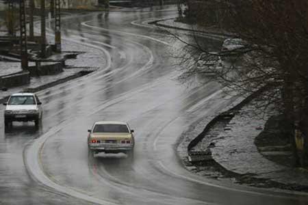 ترافیک روان در جاده های سراسر کشور ، بارش باران در محورهای 2 استان