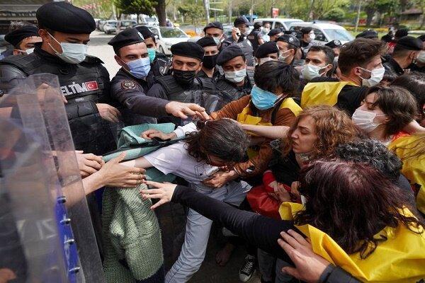 بازداشت دستکم 220 نفر از معترضین روز جهانی کارگر در استانبول