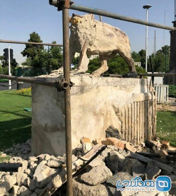 مجسمه های میدان رازی قبل از شیرهای میدان حر بازسازی شده اند