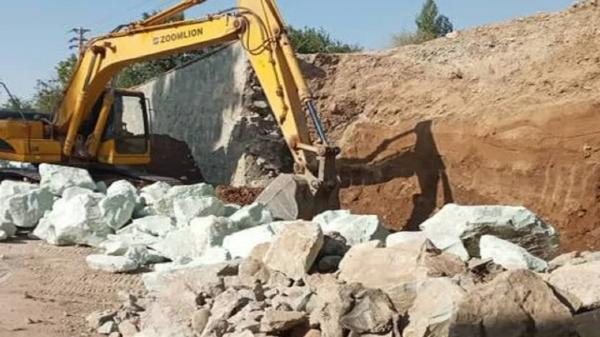 عملیات احداث دیوار حائل زیرگذر متروی کرج شروع شد